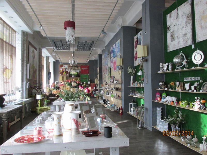 Самоклеящиеся красивые фотообои на стену - купить все для декора стен в интернет-магазине Урбаника