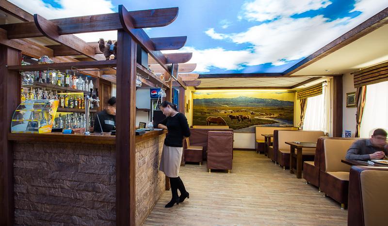 работа администратора в ресторане вакансии в москве